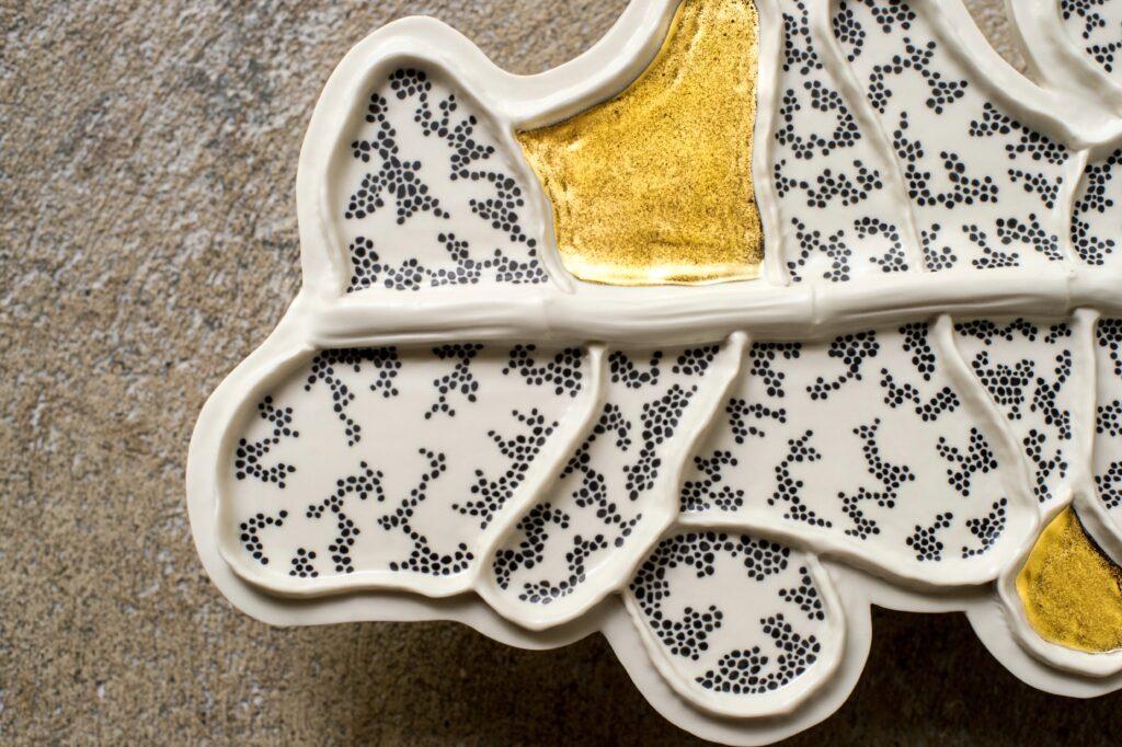 details painting decor porcelain Anne-Sophie Guerinaud Geneve